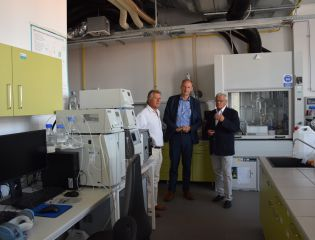 The Ambassador of the Czech Republic to Canada visited the Centre of Polymer Systems