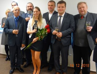 Pavlína Holčapková successfully defended her doctoral thesis